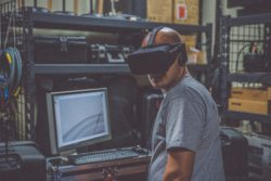 VR glasses help with the research and engineering of new goods, cutting down production time. Symbolic picture: Eddie Kopp, Unsplash.com