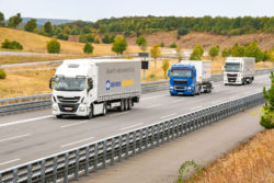 Knorr-Bremse and Continental are jointly pursuing the development path towards highly automated commercial vehicles. The partnership will initially focus on automated convoy driving (platooning), © Kn